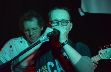 Lars an der Mundharmonika